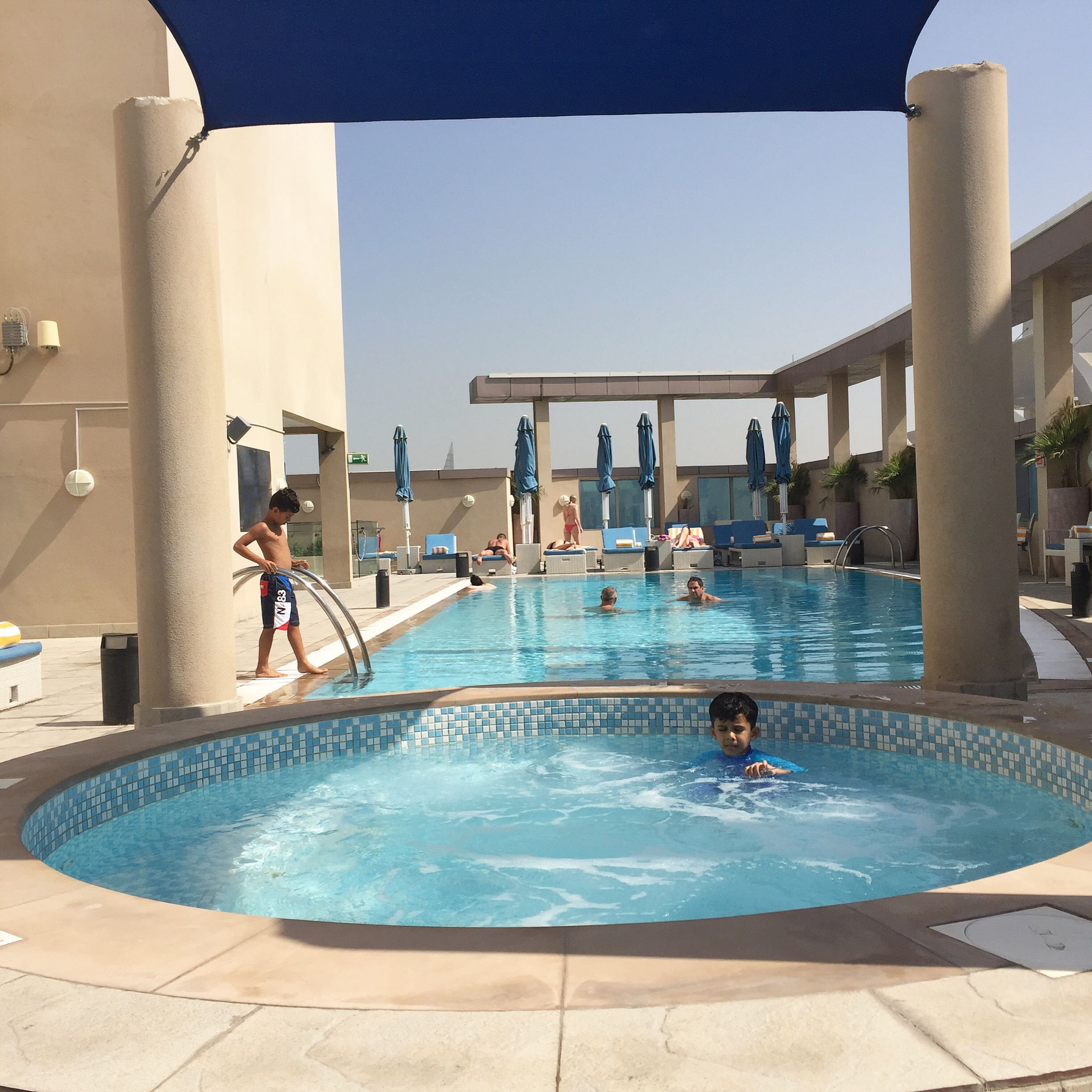 Hotel Review Pullman Hotel Jumeirah Lakes Towers