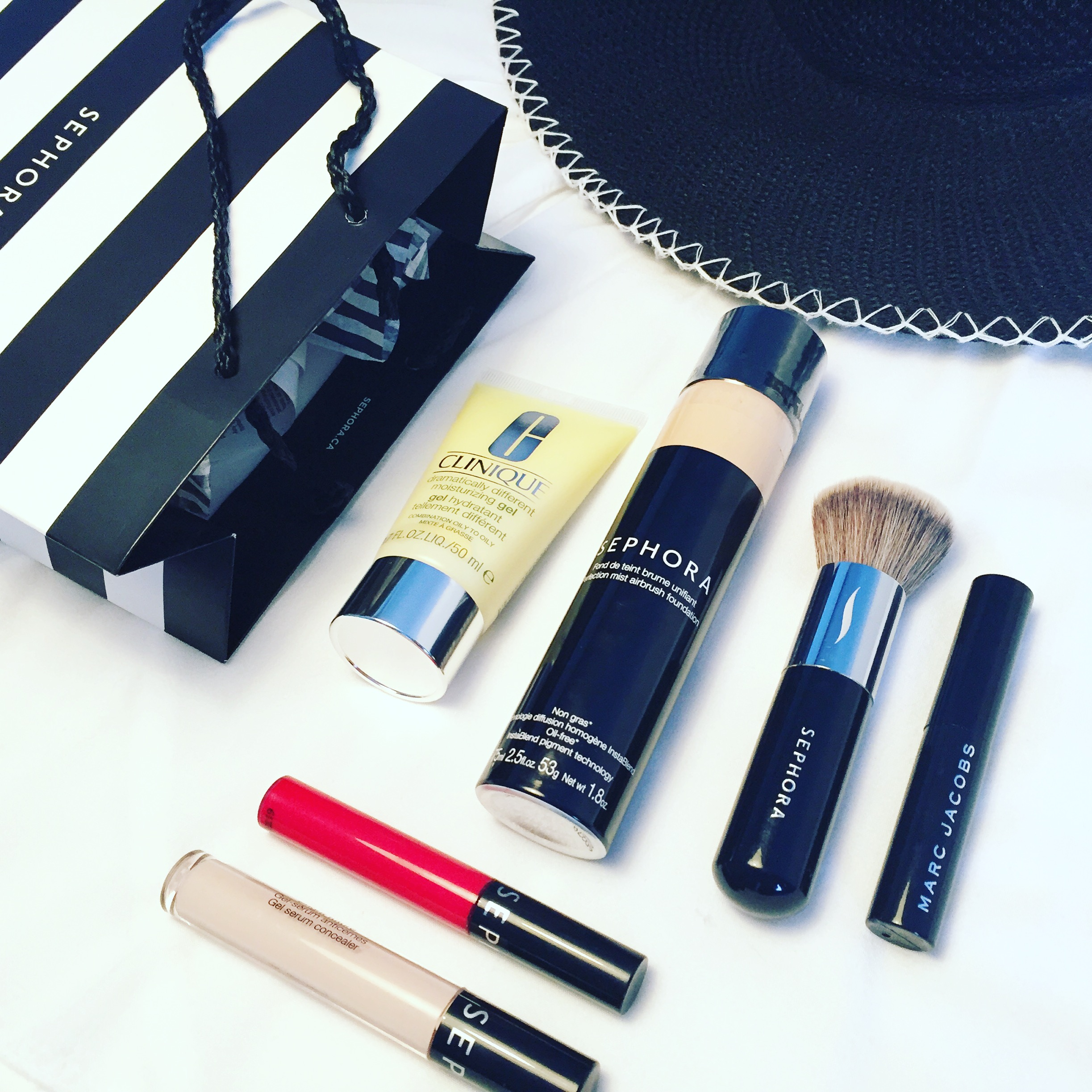 I don't mess around when it comes to makeup on vacation-especially when it comes to sun destinations. Check out my super simple makeup routine for beach and ...